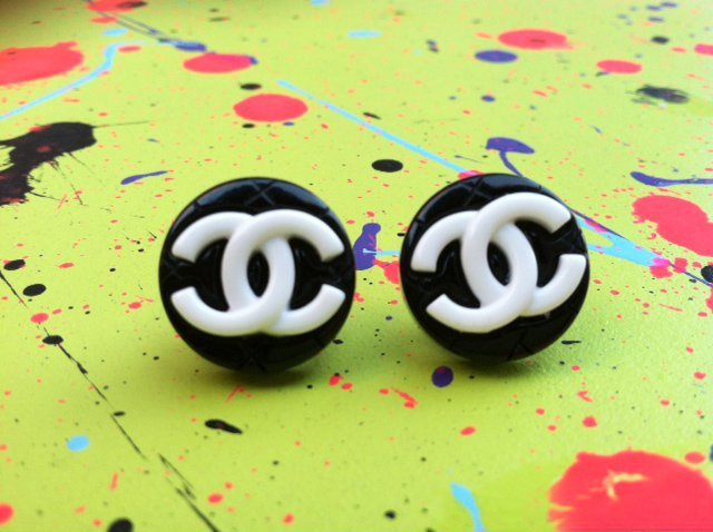 Chanel Logo Studs on Luulla