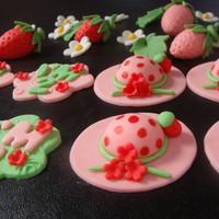 Edible fondant 4 Strawberry Shortcake Hat 4 Strawberry and 16 More Other Pieces Cupcake Cooky Toppers
