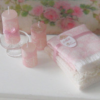 Dollhouse Pink Damasc set. Three candles and new pack of towels. 1:12 scale.