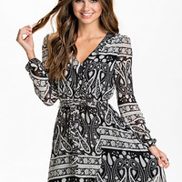 Wrapped Dress, NLY Trend