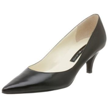 Bandolino Women`s Berry Pump,Black Leather,10.5 M