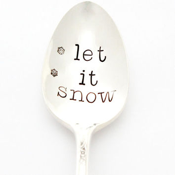 Let It Snow. Hand stamped coffee spoon for cold winter mornings. Christmas table decor by milk & honey ®