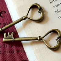 2 Pieces of 49  mm Nickel Free Antique Bronze Key Charm (.GI)
