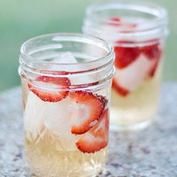 Strawberries with gingerale