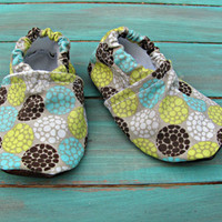 Baby Booties for the Baby in Your Family,  0-3 Months, in Springtime Flower Bouquet