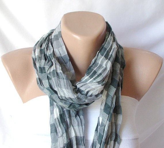 Unisex Scarf from %100 Viscone and coton mix with plaid desing