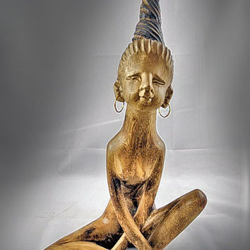Statue / Figurine - Carved Wood, Tribal Look, Sweet, Nude Girl / Lady / Woman Sitting