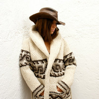 Cozy Chic Hand-Knit Mexican 100% Virgin Wool Sweater in Cream