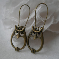 Earrings- Owl earrings- Cute owls- Antique bronze owl- Trendy- Fashion- Simple- Stylish