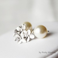 Swarovski Crystal Pearls Matte Silver Flowers Sterling silver Earrings,wedding,bride,gift,mother,BBF