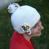 Woman's knit winter hat in white