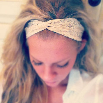 Stretch Twist - Thin Lace Headband - Nude