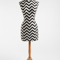 Zigzag Wood Base Dress Form