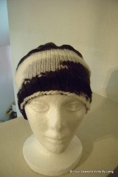 Black and White Beanie by FourSeasons on Zibbet