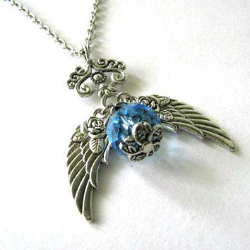 Antiqued Silver Wings Necklace Ligh.. on Luulla