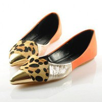 Color Block Point Flat Shoes with Metal Toe Cap
