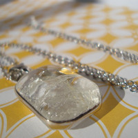 Clear glass pendant necklace