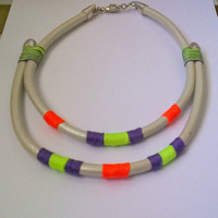 Leather necklace with summer colour yarns