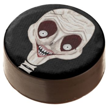 Ghoulish Skull Chocolate Dipped Oreo