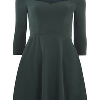Green Sweetheart Neck Dress