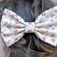 Vintage-Look Floral Hair Bows