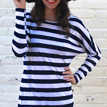 Long Sleeved Striped Comfy Tunic Top - Navy Blue/White – H.C.B.