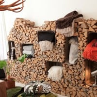 DIY Logs And Crates Storage Wall System | Shelterness