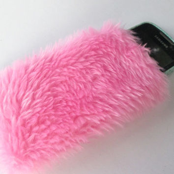 Fuzzy Pink Phone Case, Kawaii iPhone 5 Case, Furry Phone Pouch, Baby Pink Faux Fur, Fluffy iPhone Sleeve