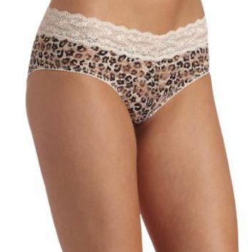 Barely There Women's Go Girlie Foxx All Over Lace Hipster: Amazon.com: Clothing