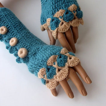 Oil Green and Camel Color Crochet Fingerless Gloves/beige button/Fingerless