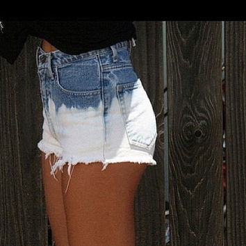 Bleach Dip-Dyed High Waisted Shorts