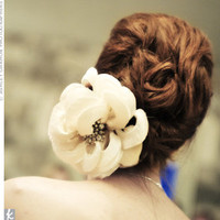 Real Weddings - A Vintage Traditional Wedding in Austin, TX - Vintage Wedding Hairpiece