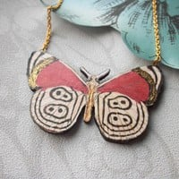 Little White Butterfly Wooden Neckl.. on Luulla