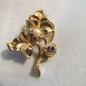 Lions Club pin,goldtone flower and pearl brooch,Lions club international pin,Lions club jewelry,brooch