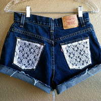 High Waisted Lace Pocket Levi&#x27;s Shorts (Small)