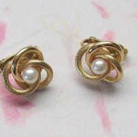 Vintage Goldtone Knot Earrings