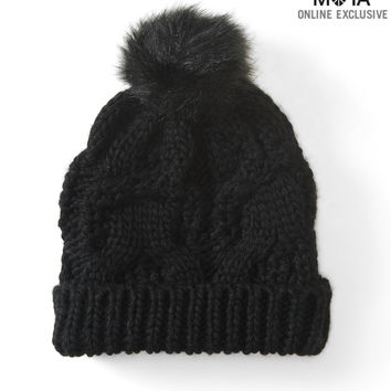 CABLE-KNIT POM HAT