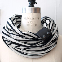 Chunky Black and white stripes circular infinity scarf