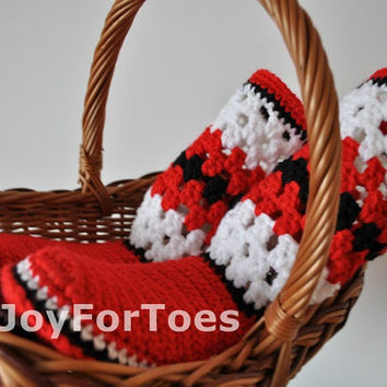 "Patriotic shoes Slippers ""Ukraine"" Crochet shoes Red White Black"