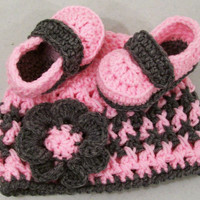Baby Girl Gift Set-Crochet Pink and Charcoal Baby Booties and Hat-Baby Shower Gift---#116