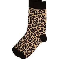 River Island MensBrown leopard print socks