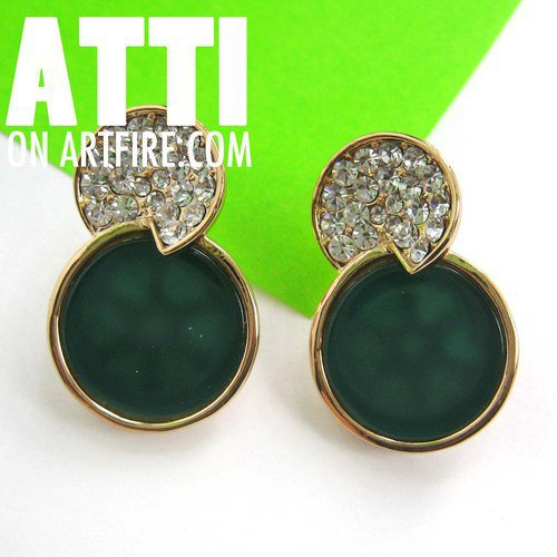 Classy Emerald Forest Green Round Stud Earrings with Rhinestone Detail