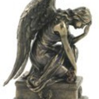 Weeping Angel Kneeling (Bronze)