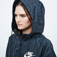 Nike Windbreaker Jacket in Black - Urban Outfitters