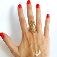 Tall Cut Outs Ring - Gold – H.C.B.