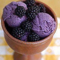 just cook already: Blackberry Frozen Yogurt 2