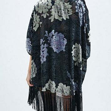 Pins & Needles Floral Burnout Kimono in Black - Urban Outfitters