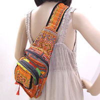 Vintage Cross-Body Bag Hill Tribe Fabric Fair Trade Thailand (BG470.802%)