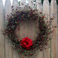 Pip Berry Wreath, 18 Inch, Berries with Raspberries