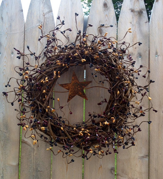 Pip Berry Wreath, Primitive Woven 10 Inch